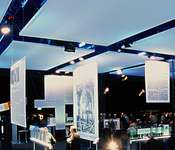 With mobile room solutions from RÖDER EVENT, adverse weather loses its fright, and outdoor exhibitions can take place independently of wind and rain.
